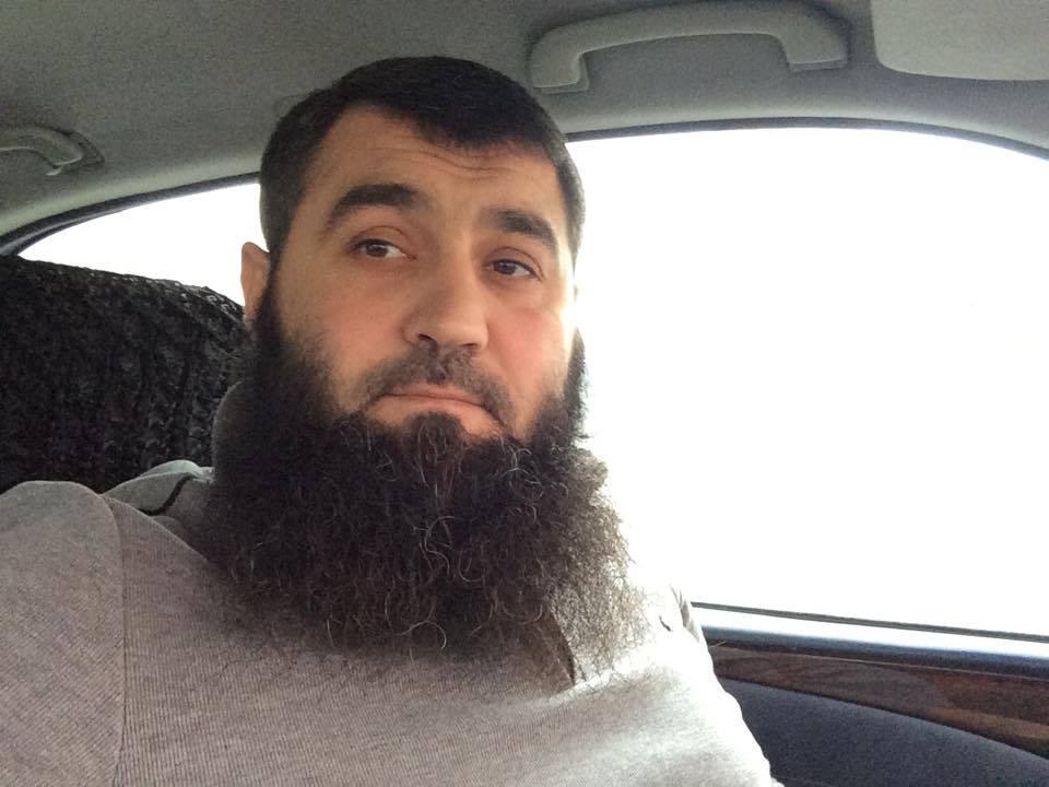 Sumqayıtda evində yeraltı məscid və silah aşkarlanan kimdir? -FOTO